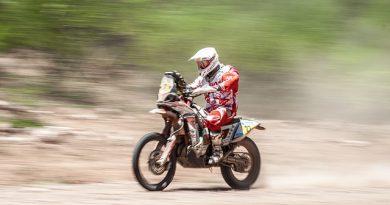 motorcycling race
