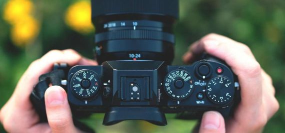 What Is The Best Mirrorless Cameras Under $1000